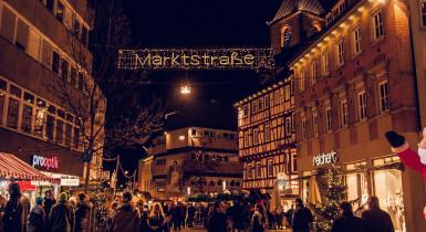 Weihnachtsmarkt Straßenszene