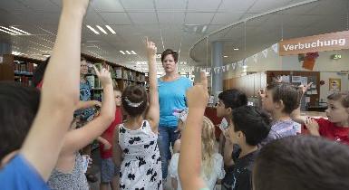 Klassenführung in der Stadtbibliothek