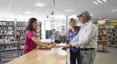 Verbuchungsvorgang in der Stadtbibliothek