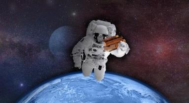 Astronaut mit Büchern