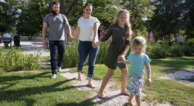 Familie im Stadtpark Kleb