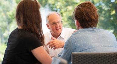 Oberbürgermeister Jürgen Großmann im Gespräch mit Bürgern