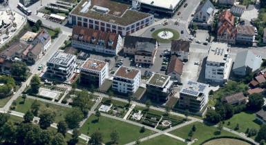 Luftaufnahme vom Stadtpark Kleb mit Wohnbebauung