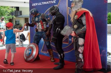 Die Marvel-Superhelden Captain America, Black Panther und Thor in Nagold