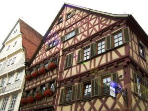 Haus Saur Grossmann bon unten fotografiert