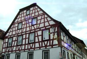 Gasthaus_Mohren, von unten fotografiert man sieht sonst nur den Himmel