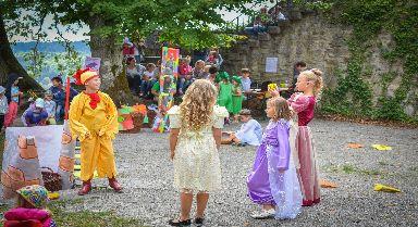 Märchenzeit auf der Burgruine