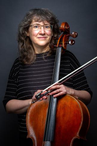 Dagmar Köbele, Lehrkraft für Cello