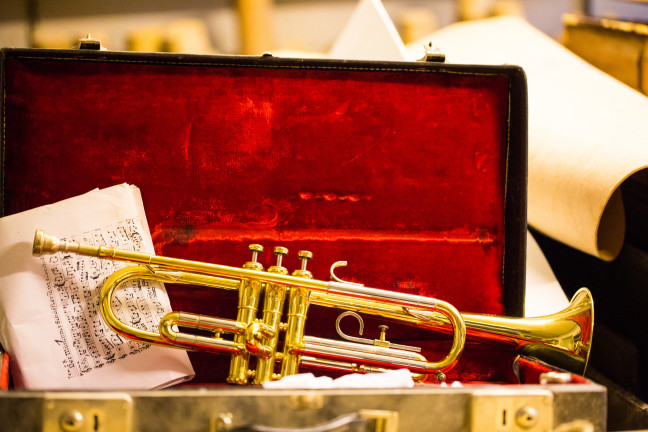 Trumpet lying in a trumpet case